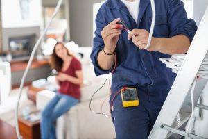 sobrecarga-electricista-palencia
